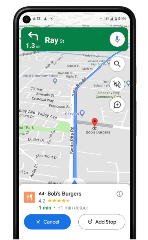 Sugerencias de direcciones de establecimientos durante la navegación en Google Maps